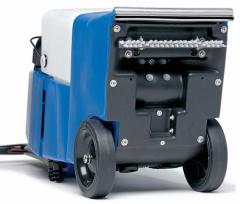 Машина за пране на меки настилки под наем Rug Doctor Wide Track, , Машини под наем, За пране на мокети и килими, За пране на тапицерии и матраци c13119db